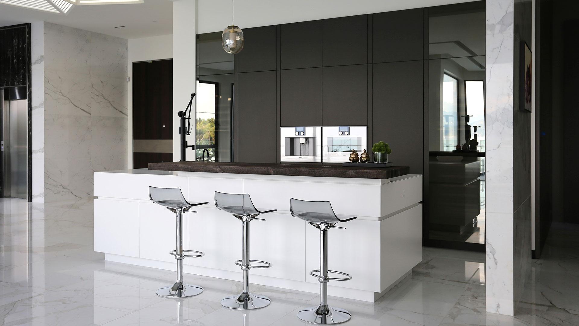 TM Italia Bespoke Kitchen with Island